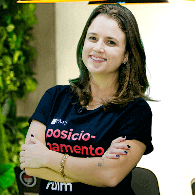 beatriz guarezi instrutora curso de product marketing manager